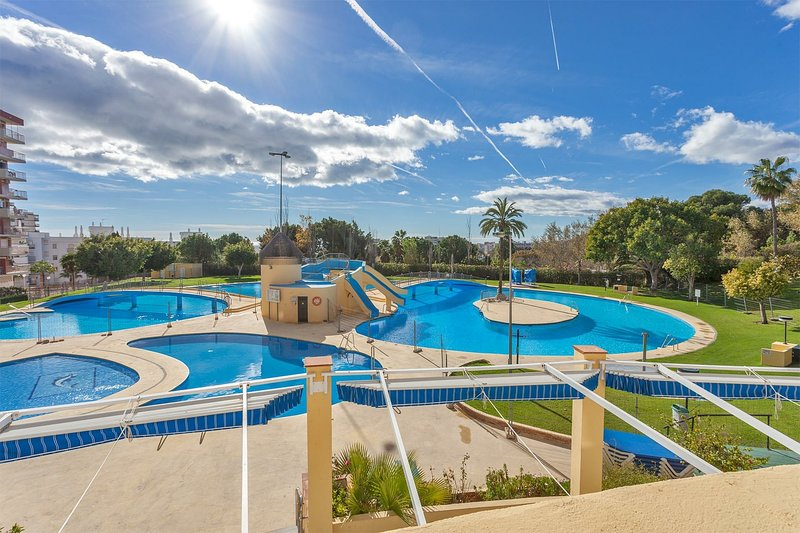 LOVELY, SUNNY & NEW STUDIO JUPITER BENALMÁDENA. ☆☆☆☆☆, holiday rental in Benalmadena