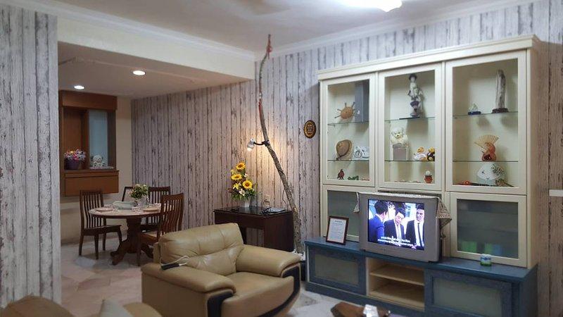 •Mama Mia Home•11Pax+4Rooms+Themed•Bukit Mertajam, vacation rental in Seberang Jaya