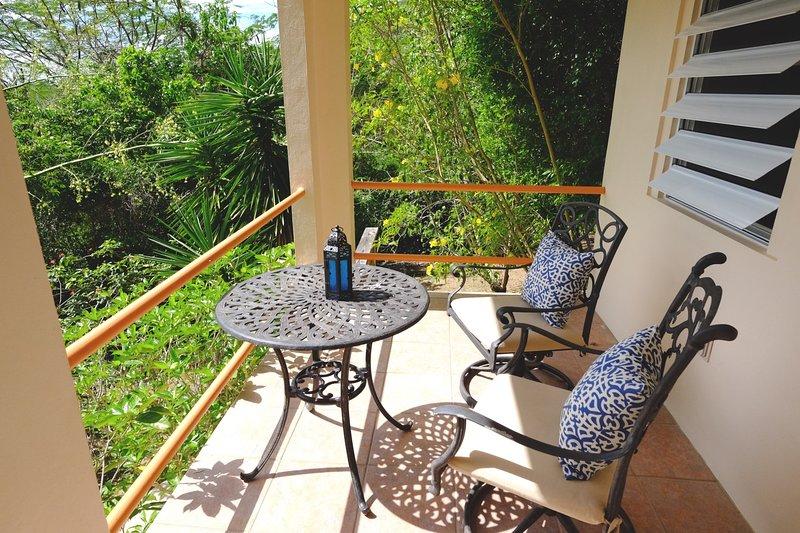 descansar al aire libre en la terraza de la Casita Azul