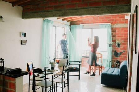 HOSPEDAJE VIVELA13. En la Comuna 13 de Medellín, holiday rental in San Jeronimo