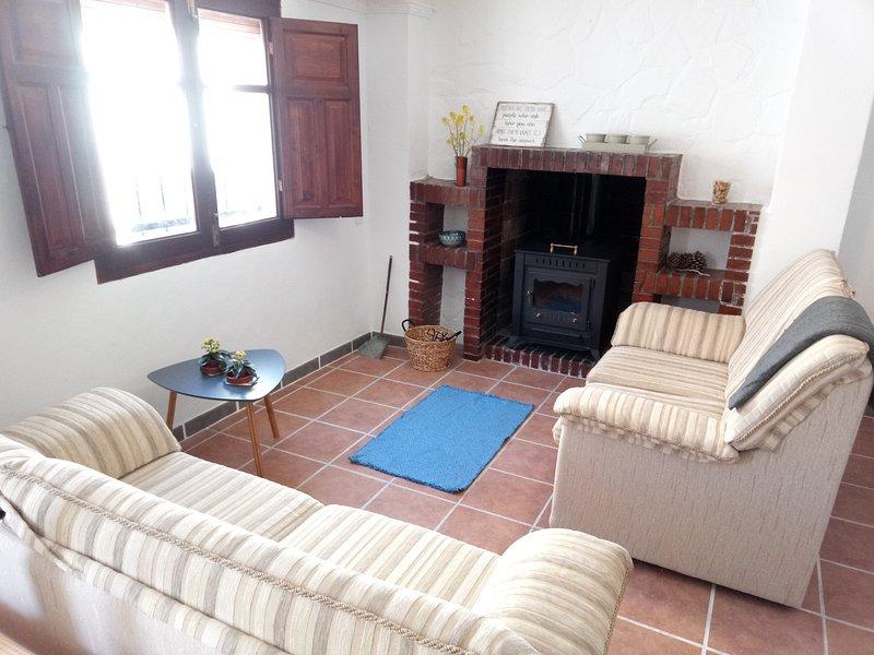 Casa la Cabra - Apt 1, (en el centro de Moclín), vacation rental in Illora