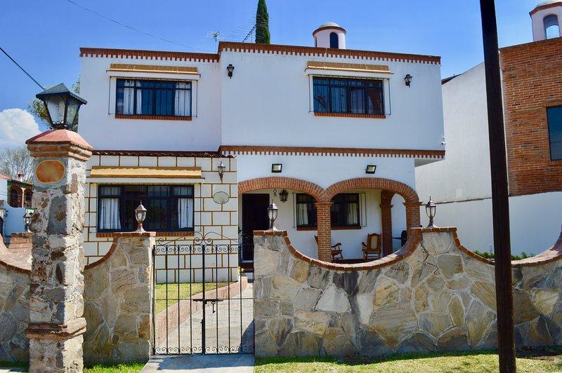 Beautiful House in Tequisquiapan Downtown, location de vacances à Ezequiel Montes