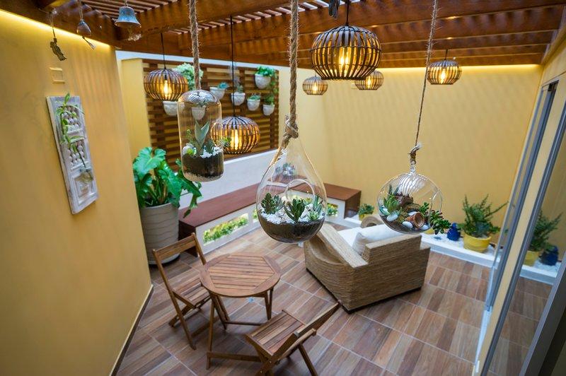 La Terraza de Barranco is an internal terrace equipped for rest.