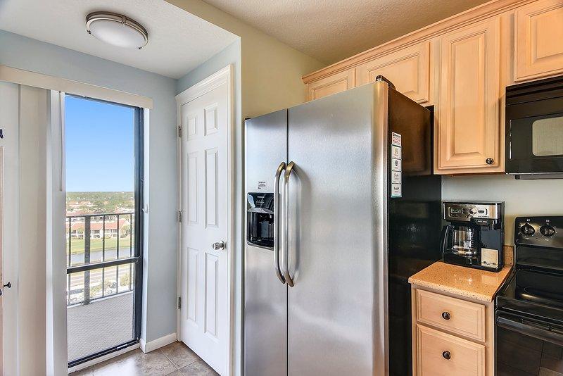 Edgewater Beach Resort 1009-2-Kitchen