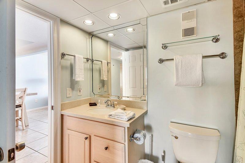 Edgewater Beach Resort 1009-2-Bathroom