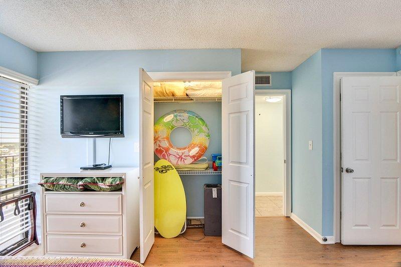 Edgewater Beach Resort 1009-2-2nd Bedroom
