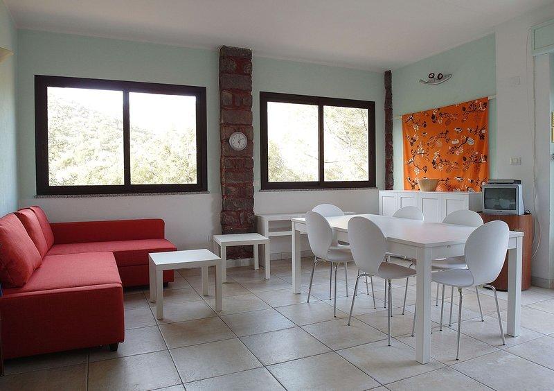 Appartamento Oriente per 2-4-6 persone, holiday rental in Cala Gonone