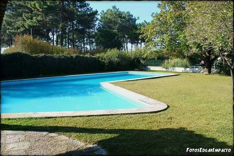 Amazing villa with swimming-pool, location de vacances à Quinta Do Conde