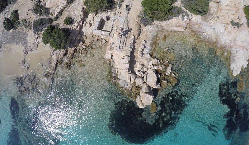 Moderno Appartamento nel cuore di La Maddalena, casa vacanza a La Maddalena