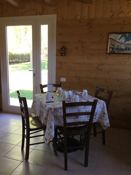 Breakfast Room and Catering available