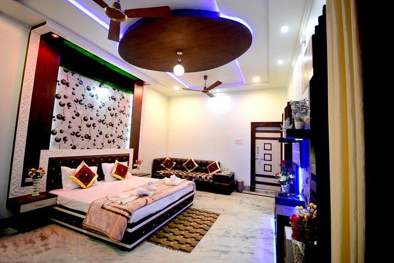 Taj Shiro Homestay (Double Deluxe Room 2), alquiler vacacional en Agra