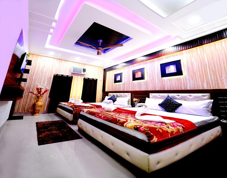 Taj Shiro Homestay (Family Deluxe Room 1), alquiler vacacional en Agra