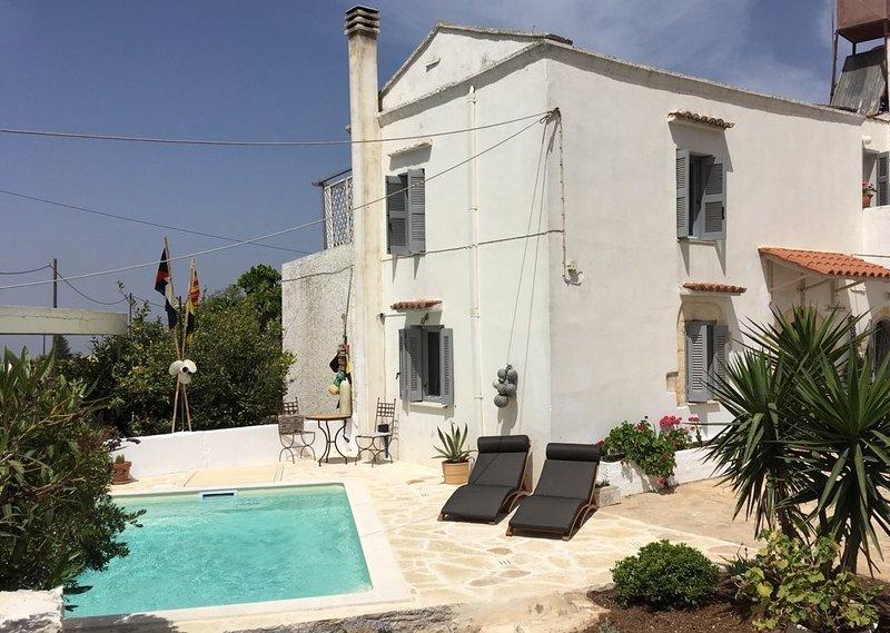 Villa Oraia y piscina