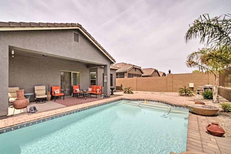 Umfassen Sie die Wüste von Arizona, während bei diesem Ferienhaus Hause bleiben.