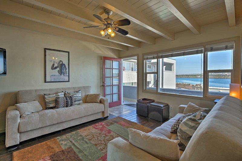 Il sale, il sole, la sabbia e attendere il suo arrivo in questo arioso San Diego condominio!
