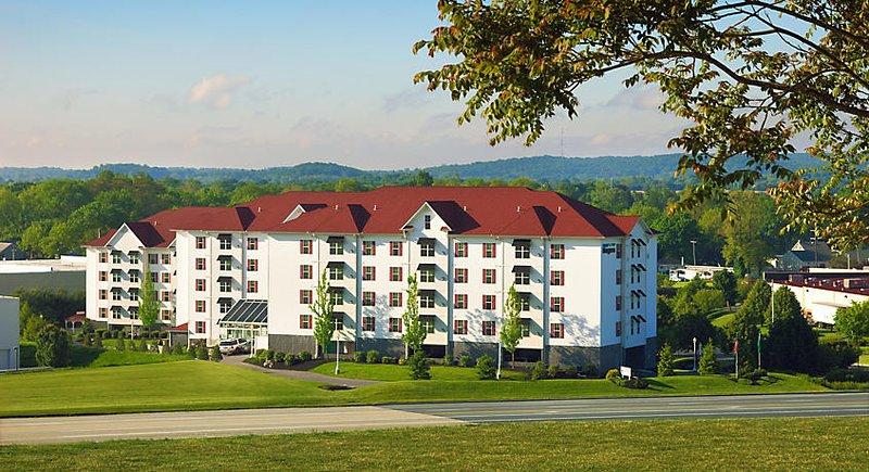 Hershey PA Condo 2 Bedroom Sleeps 8, holiday rental in Elizabethtown