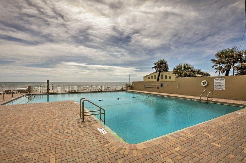 Dive into your next Daytona Beach getaway at this vacation rental studio!