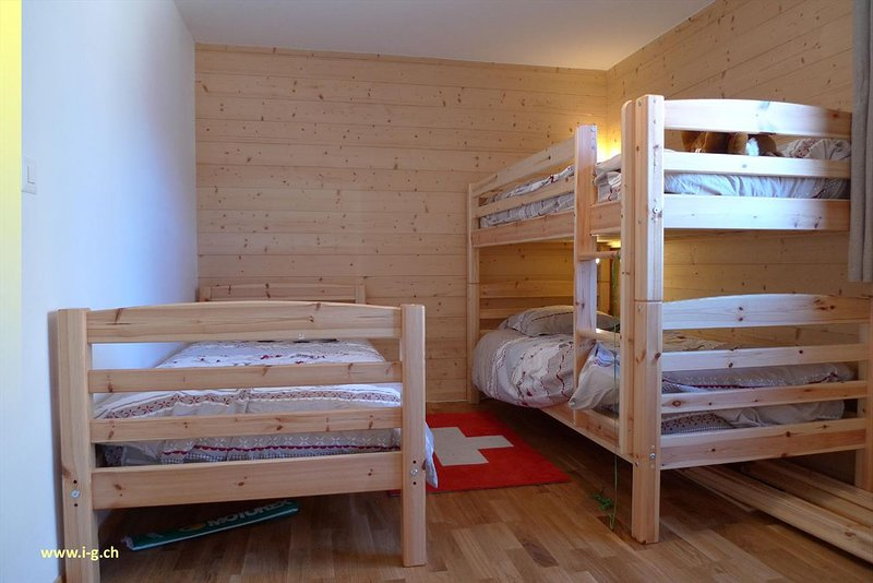 Bed room 3 with 3 beds