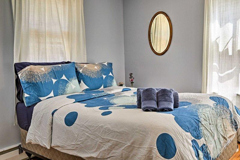 Un autre lit souligne cette troisième chambre.
