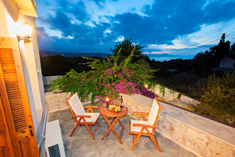 Eleni Residence, holiday rental in Atsipopoulo