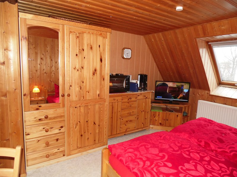 Zum Hecht - 2- Bettzimmer  Oybin ***, vacation rental in Oybin