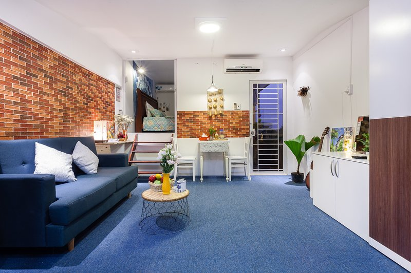 [AN CORNER] SECLUDED INTOWN ROOFTOP STUDIO, holiday rental in Ho Chi Minh City