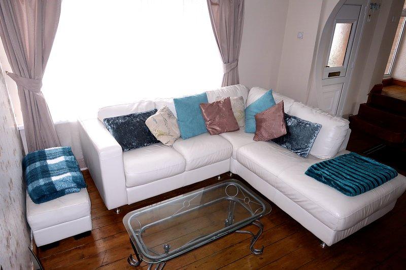 3 Bedroom House Penrhyn Bay, Conwy, North Wales, holiday rental in Llandudno