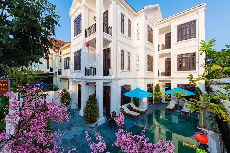 Ancient Terracotta Villa, holiday rental in Dien Duong