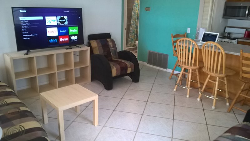 Affordable Anna Maria Vacation - close to everything, holiday rental in Holmes Beach