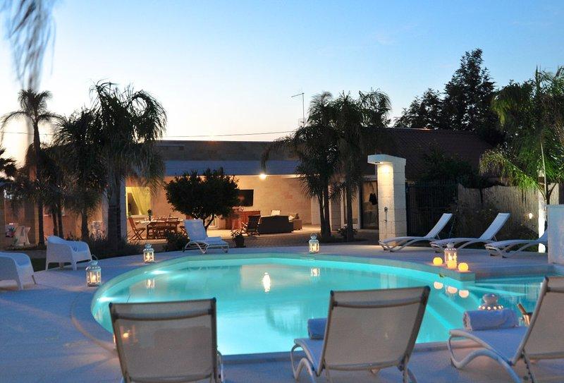 Amazing villa with swimming-pool, vakantiewoning in Torre San Sabina
