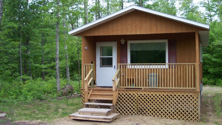 Yooper Cabin in Twin Lakes Area Houghton County on Trail #3, holiday rental in Baraga