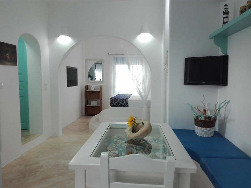 TILOS ISLAND HOUSE, holiday rental in Mandraki