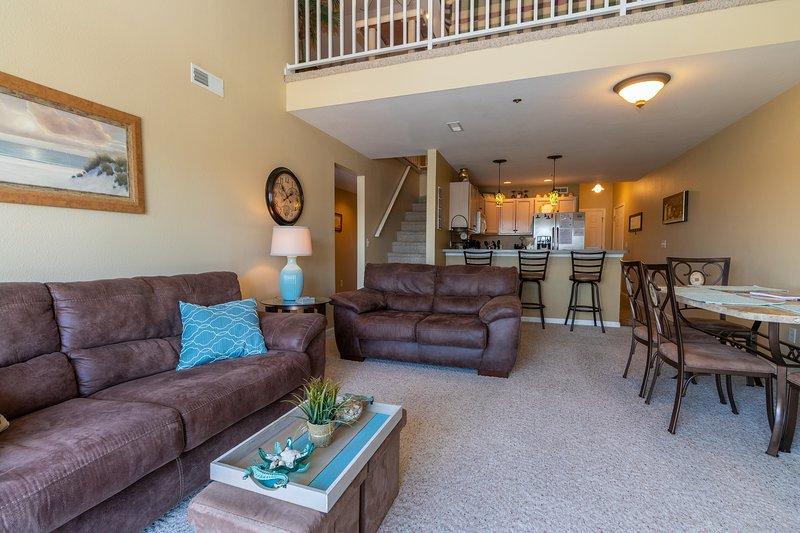 Cedar Glen 93-4E - 4 Bedroom Condo - Lake of the Ozarks, location de vacances à Macks Creek