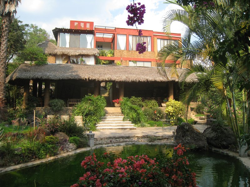 Las Cascadas - Malinalco, beautiful home, vakantiewoning in Estado de Mexico