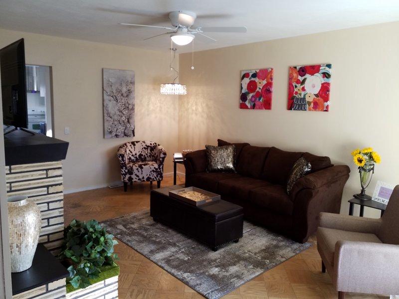 250 SF vardagsrum med nya möbler
