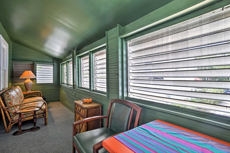 This carriage house is in the perfect location to explore the Palm Beach area!