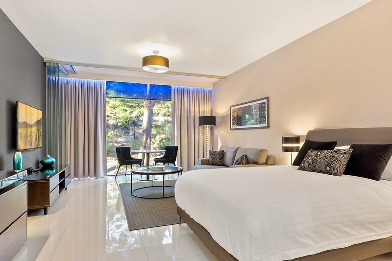 EXECUTIVE 1 BEDROOM BROOK STREET, SYDNEY, holiday rental in Crows Nest