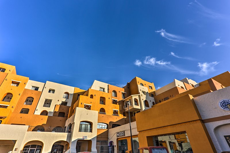 Located in the Tesoro Los Cabos, this condo includes 2 bedrooms and 2 bathrooms.