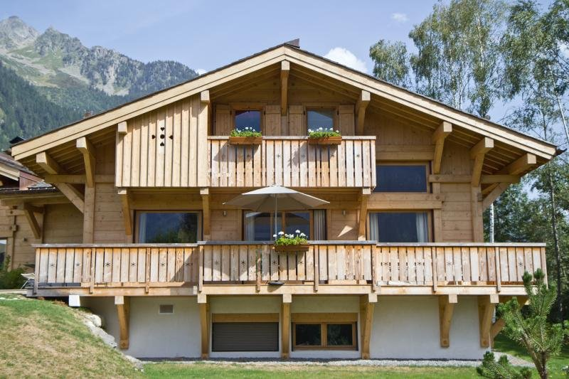 Beautiful Chalet Bayer. Amazing View, holiday rental in Les Praz-de-Chamonix