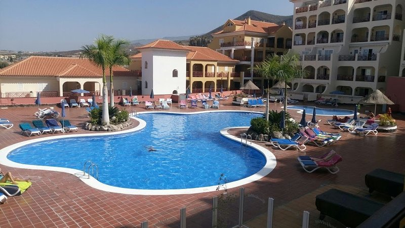 Apartment near the center of Los Cristianos, holiday rental in Los Cristianos