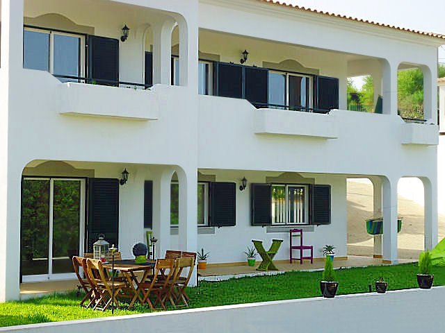 Cerro do Mocho Villa Sleeps 8 with Pool Air Con and WiFi - 5607896, location de vacances à Alfarrobeira