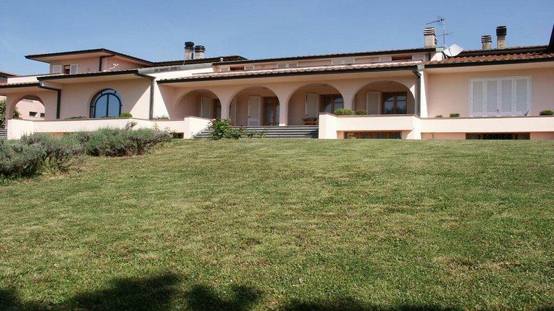 Villa Viviana.. nel cuore della Toscana, vacation rental in Santa Croce Sull'Arno
