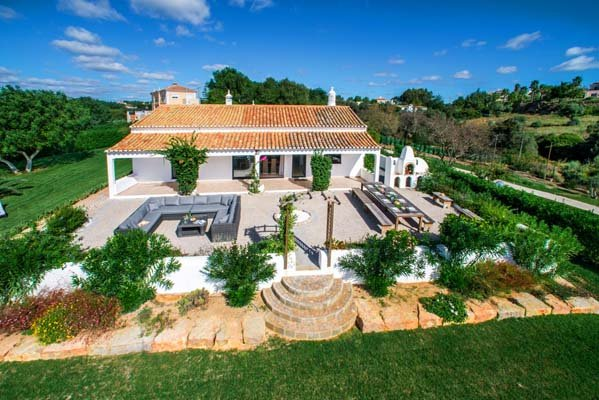 Almancil Villa Sleeps 18 with Pool - 5607996, location de vacances à Alfarrobeira