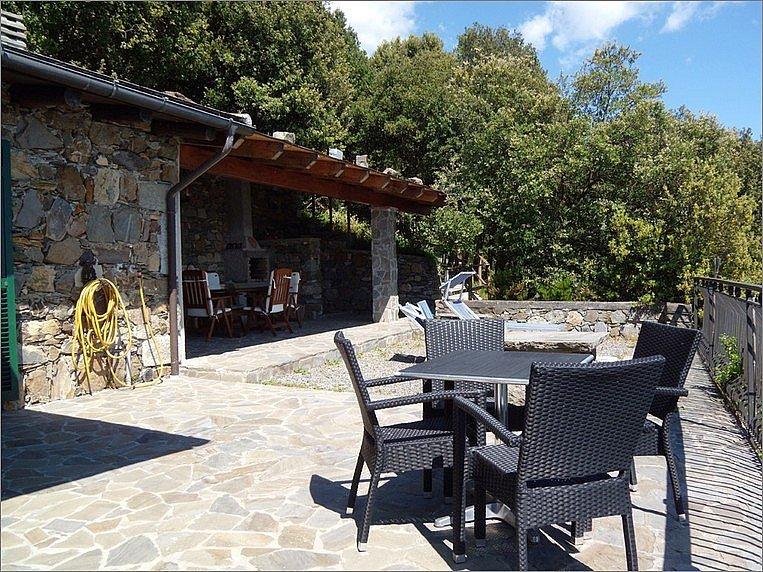 Madonna di Reggio Villa Sleeps 4 with WiFi - 5229093, casa vacanza a Corniglia