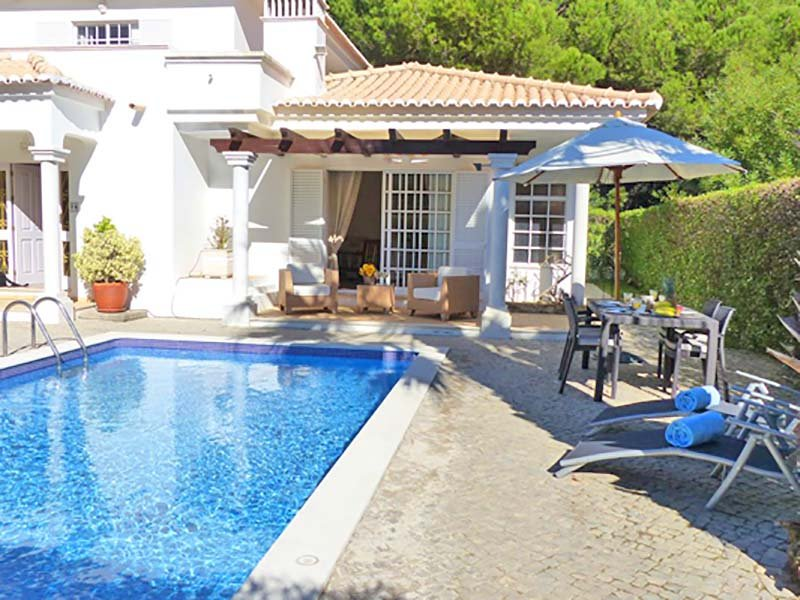 Vale do Garrao Villa Sleeps 6 with Pool Air Con and WiFi - 5607845, holiday rental in Vale do Garrao