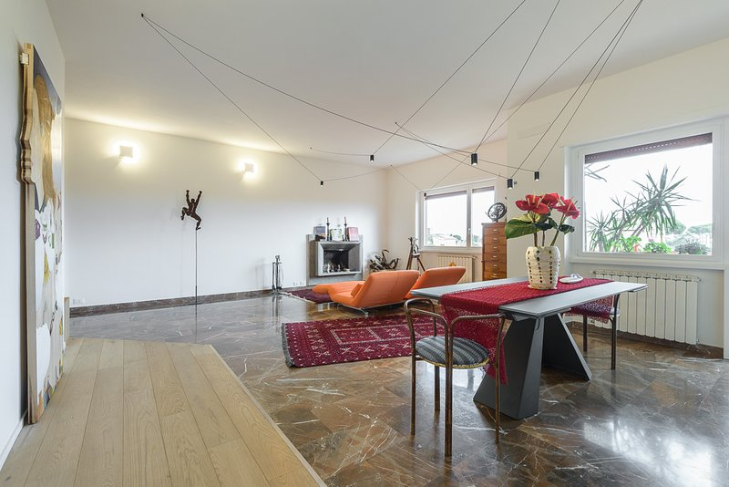 charming apartment in a green area  with swimmingpool, aluguéis de temporada em La Massimina-Casal Lumbroso