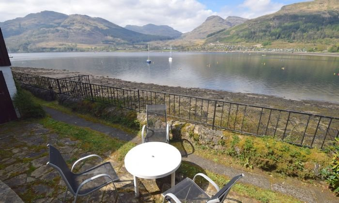 Westering Cottage - 2 bedrooms holiday home by the shores of Loch Goil, holiday rental in Loch Lomond and The Trossachs National Park