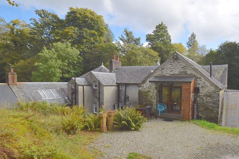 The Saw Mill at Glendaruel - 2 bedroom property with garden views, location de vacances à Ardrishaig