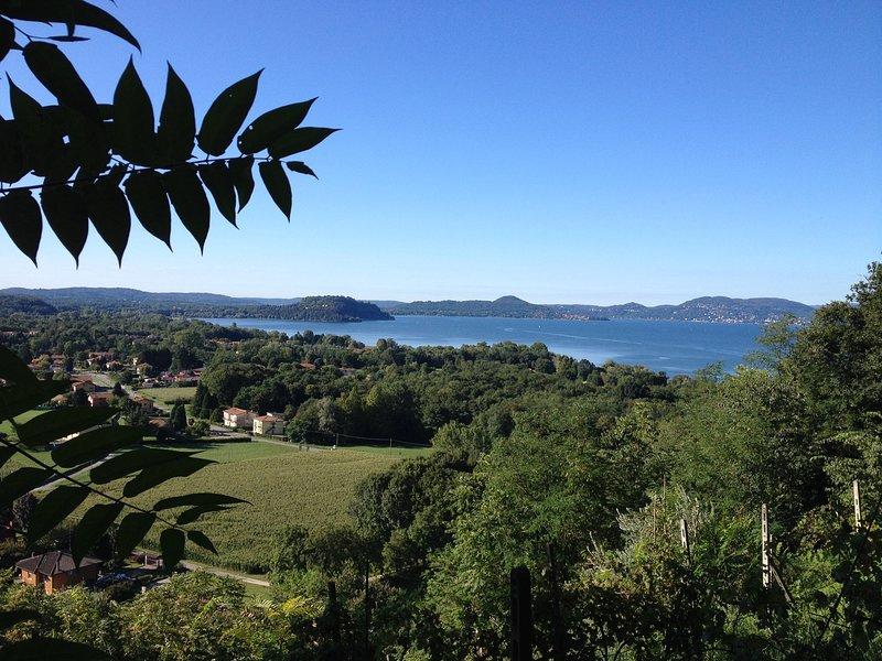 Panorama di Monvalle e del lago