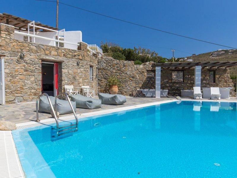 Villa 'Mystique' - Seablue Villas Mykonos, holiday rental in Choulakia